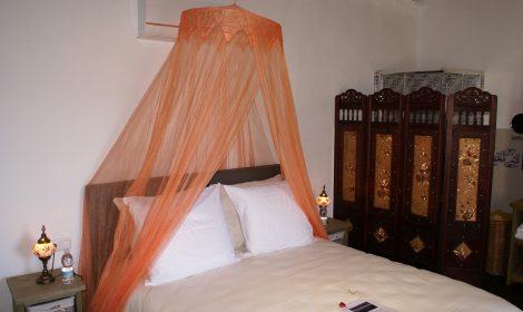 Luxe kamer met aparte woonruimte, keuken en badkamer A7 WIFI €89 per nacht
