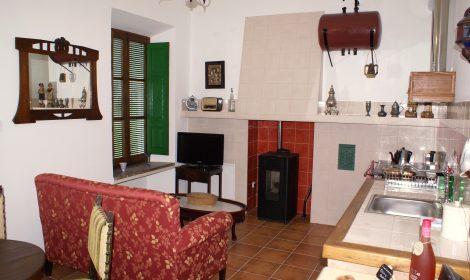 Luxe kamer met aparte woonruimte, keuken en badkamer A2 WIFI €89 per nacht